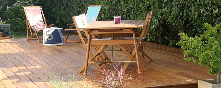 amenager sa terrasse exterieure mixez les matriaux amnager une terrasse duextrieur bohme la. Black Bedroom Furniture Sets. Home Design Ideas
