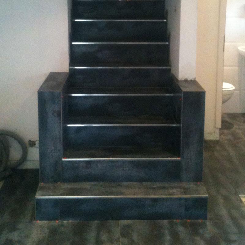 escalier en carrelage prix peinture escalier carrelage bois plage de piscine escalier droit. Black Bedroom Furniture Sets. Home Design Ideas